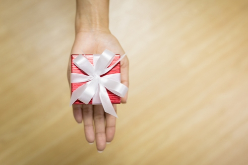 מי לא אוהב לקבל מתנות בחינם