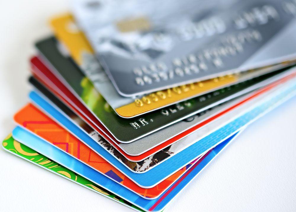 עדיין אנשים מעדיפים את כרטיסי האשראי