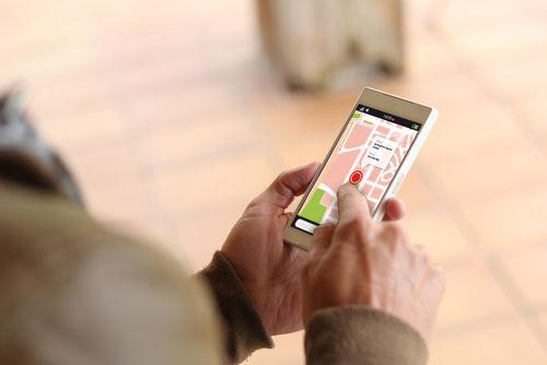 גוגל לעסקים מראה ללקוחות פוטנציאלים את מיקום העסק שלכם על גבי מפה ומסלול