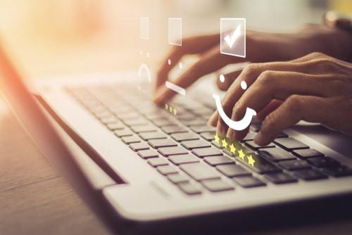 האם עסק קטן חייב להקים אתר כדי לקבל נוכחות טובה באינטרנט?
