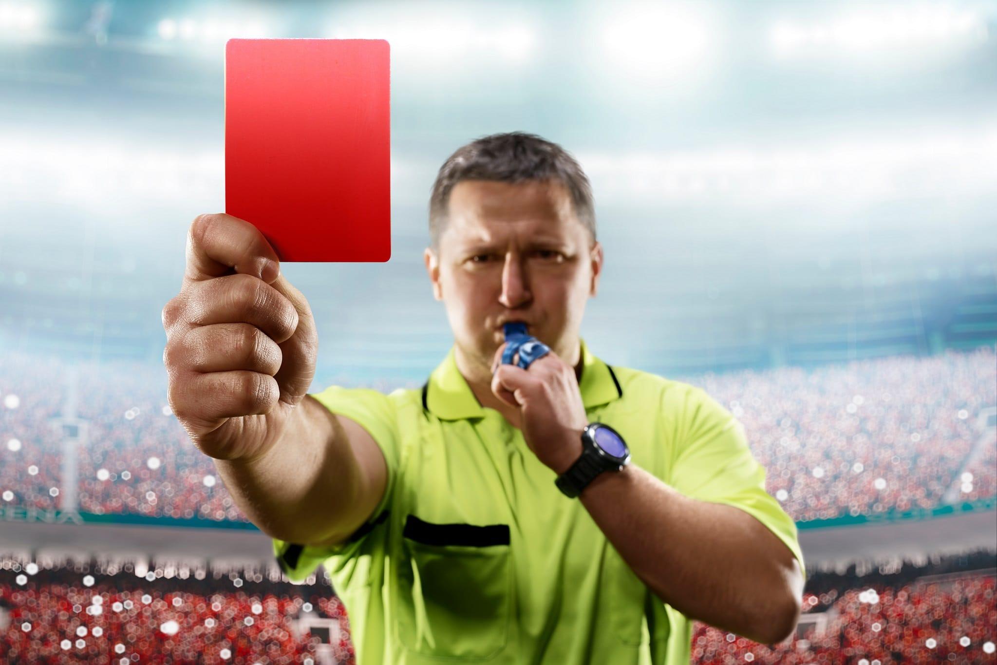 כרטיס אדום: 4 טעויות שאתם עושים בכרטיס העסק – ואיך תמנעו אותן